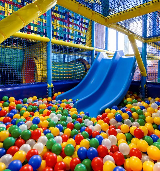 Indoor ball pit and slide 1024x683 1